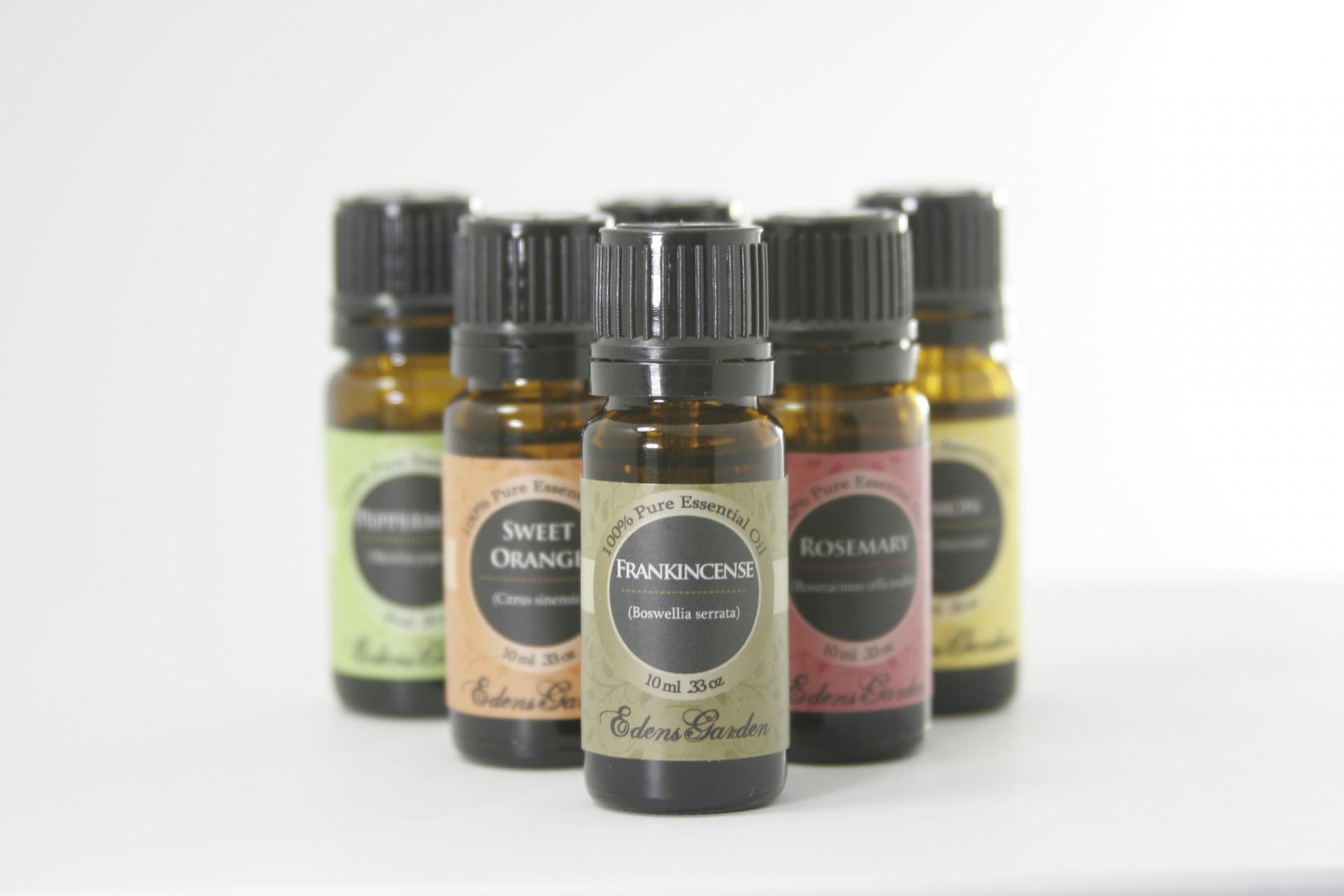 przykładowe butelki z olejkami naturalnymi