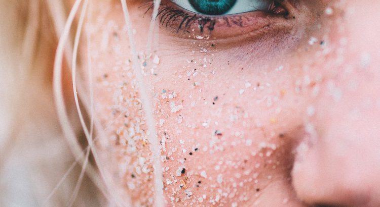 stosowanie mineralnych kosmetyków